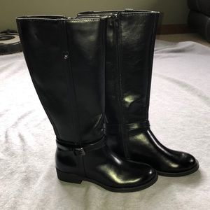 American Eagle black boots